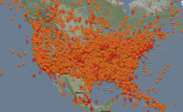 How many planes are in the air the day before Thanksgiving