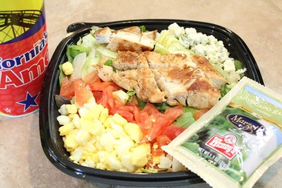 Eating healthy fast food restaurant meals