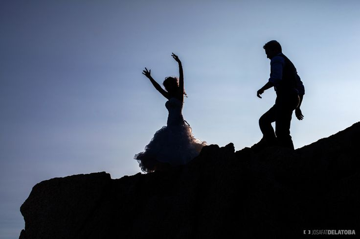 Fun and intimate Trash The Dress Photoshoot  #trashthedress #beach #weddingsinloscabos #fun #wedding #photography #cabophotographer #josafatdelatoba #caboweddings #loscabos