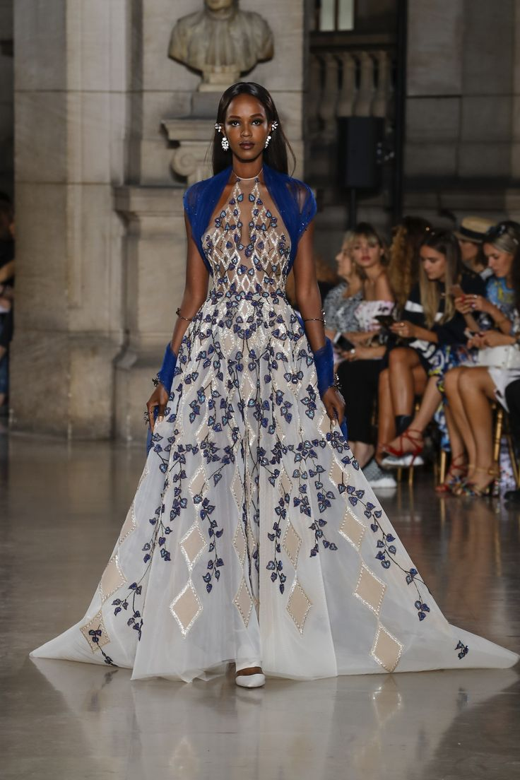 Georges Hobeika | Haute Couture Fall-Winter 2017-18 | Look 9