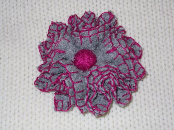 Handmade light grey felt flower brooch with fucshia by TzoFeltGood, €22.00