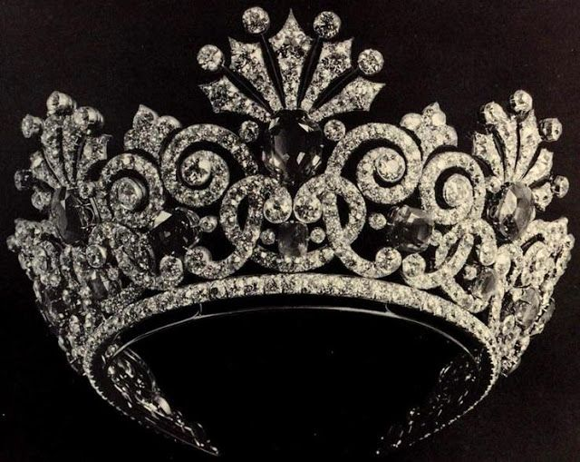 Tiara Mania: Empress Alexandra Feodorovna of Russia's Sapphire Parure Tiara