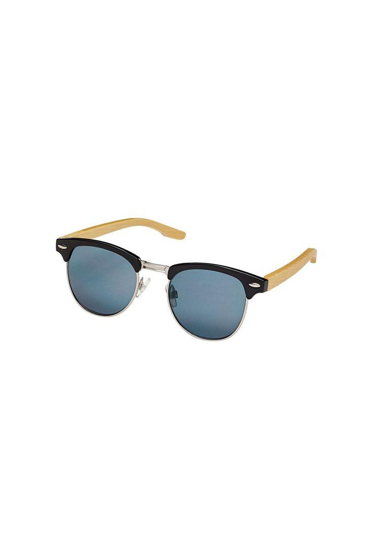 Profitez du soleil tout en protégeant vos yeux avec ses lunettes polarisées!