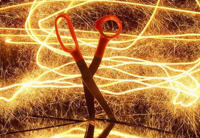 Cum te aperi de o VIBRATIE ENERGETICA? Invata sa tai cordoanele eterice care te leaga!