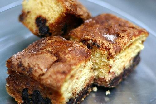 Cinnamon Chocolate Chip Sour Cream Cake | Food | Pinterest