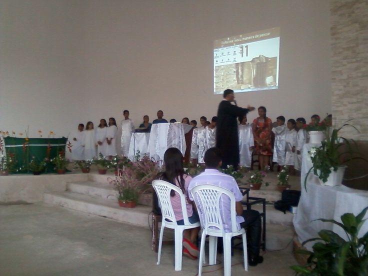 Batismo da Primavera - Culto JA - Pastor Fabio Lazaro apresenta os juvenis filhos de adventistas para o batismo. Em 28/09/2013.