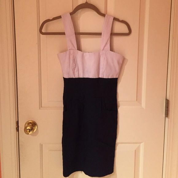 Navy blue and white bodycon dress Zips up in back, thick straps, pockets on side, bodycon dress Dresses Mini