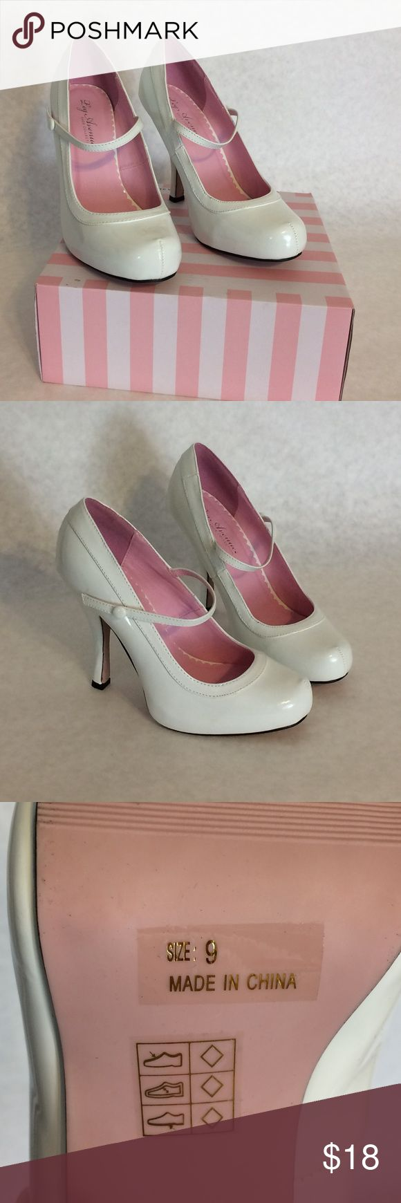"""White costume heels, leg avenue Cute shoes for a Halloween costume! Only worn once. I wore them with knee high socks and they were so cute. The heel is 4"""". Message me with any questions about the shoes or what you should be for Halloween 👻!? Leg Avenue Shoes Heels"""