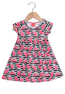 Vestido Tricae Menina PretoTipo de Produto: VestidoCaracterística: manga curta, estampa corrida e modelagem evasêSobre a marca: Perfeita para vestir as crianças com muito estilo e criatividade!