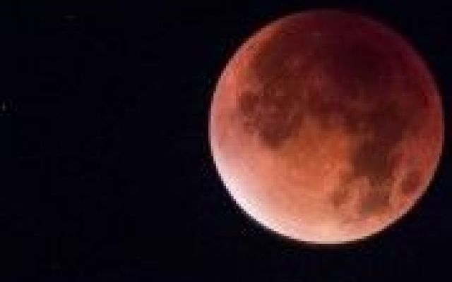 Eclissi Lunare 2015 spettacolo in tutto il mondo, la prossima nel 2033 #eclissi #lunare #2015 #spettacolo