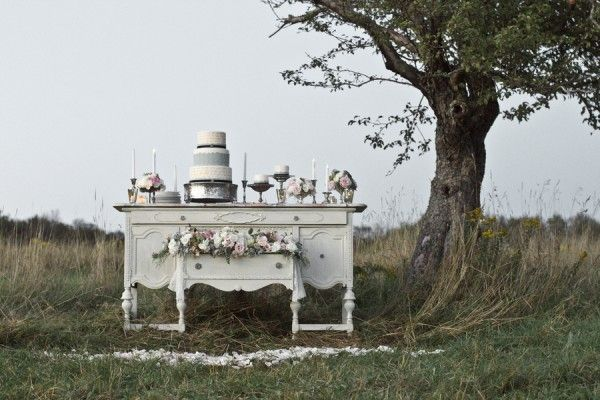 Vintage dessert table | photography by http://www.kimmccallphoto.com/