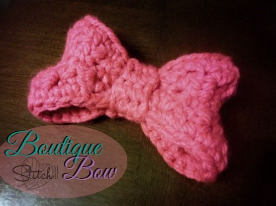 Crochet this cute Minne Mouse inspired bow by Stitch 11 for a very DisneyBound weekend!