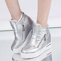 Item Type:casual shoes Shoe Width:Medium(B,M) Feature:Breathable Season:Winter Closure Type:Zip Uppe