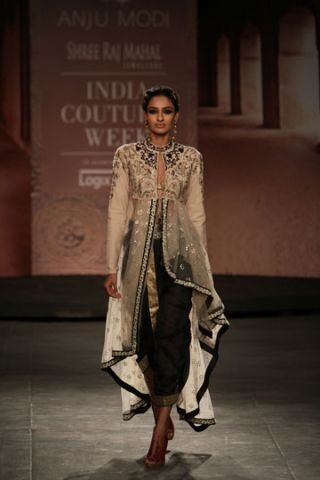 Anju Modi - India Couture Week 2014