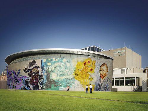 Stap in Van Goghs Wereld. Ontdek de grootste collectie werken van Vincent van Gogh in het Van Gogh Museum in Amsterdam met meesterwerken als Amandelbloesem en De slaapkamer.
