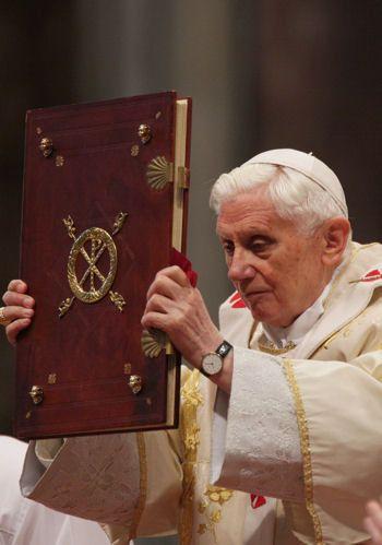 Ceux qui ont changé le monde....Les 10 papes qui ont osé transformer l'Eglise catholique - Frawsy