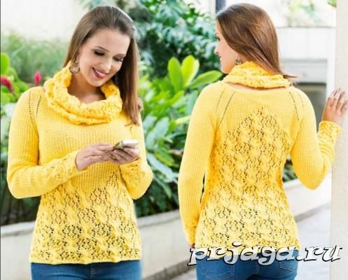 Желтый свитер спицами с воротником – снудом
