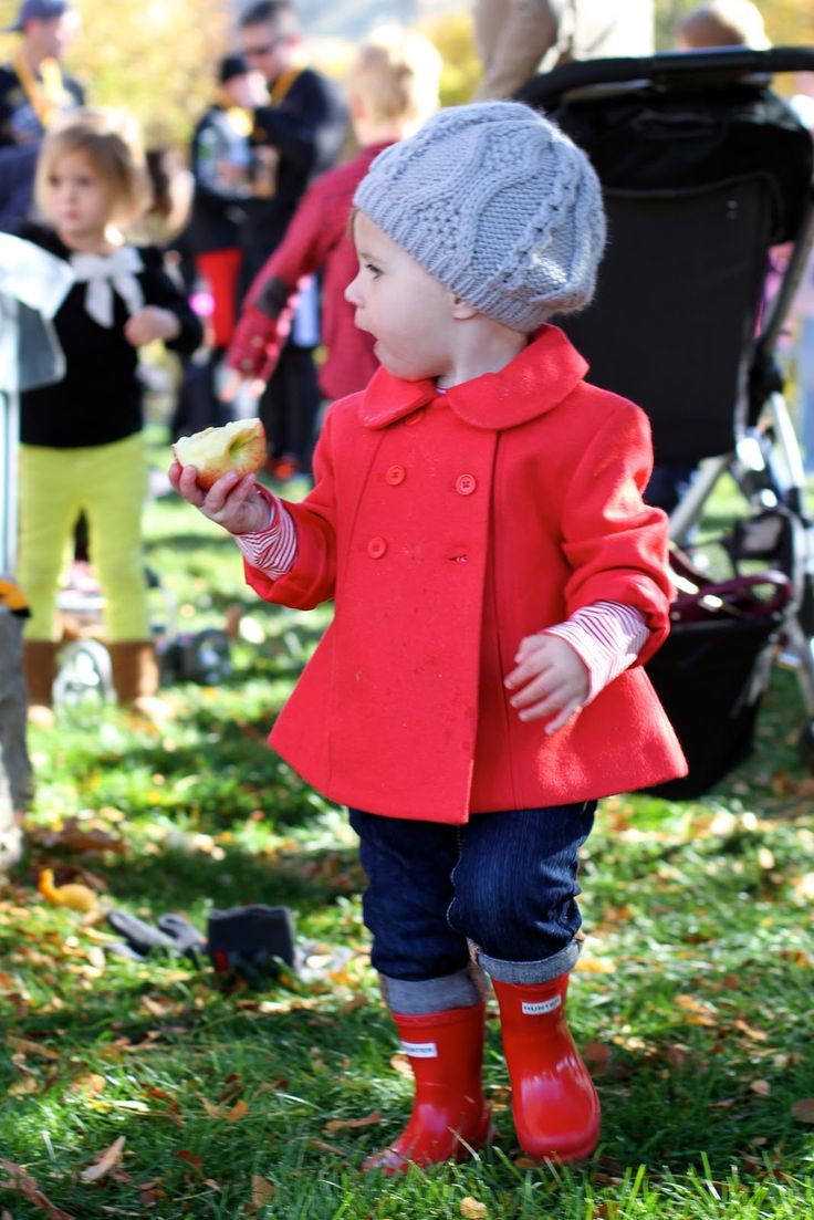 Little girl fall looks, Janie and Jack, Hunter Boots. Love the jacket and boots. This is a miss Peanut must have!