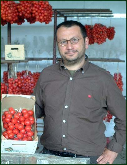 Giovanni Marino and his Piennolo Tomatoes: organic and full of flavour, produced at the foot of Monte Somma