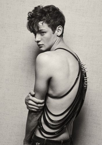 haute macabre (fashion,photography,black and white,male model,chain harness,upscale fetish,haute goth,hot,pale guys,thin) picture on Visuali...