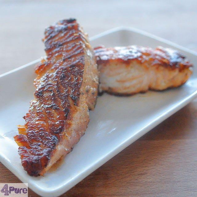 Pekelen en grillen met zalm. Een recept voor het pekelen van zalm, een oeroude techniek die heel veel smaak geeft. Je moet er alleen wel aan denken om het op tijd in de marinade te zetten.
