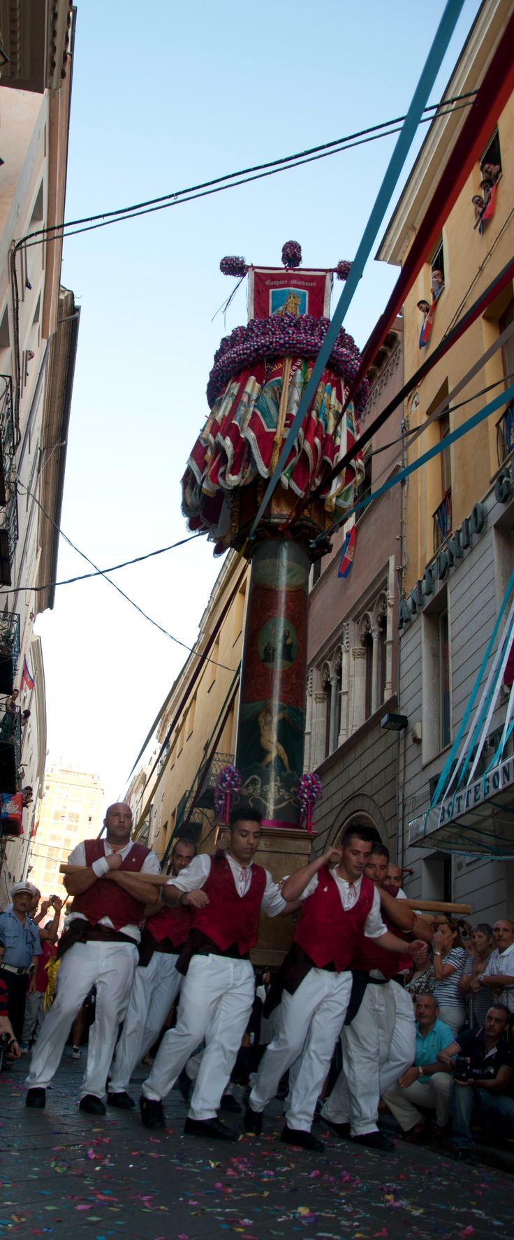 [Sassari] Faradda di li Candareri, festival held on August 14th in Sassari #sardegna #italia #tradizione #cultura #festività #sardinia #sassari #unesco