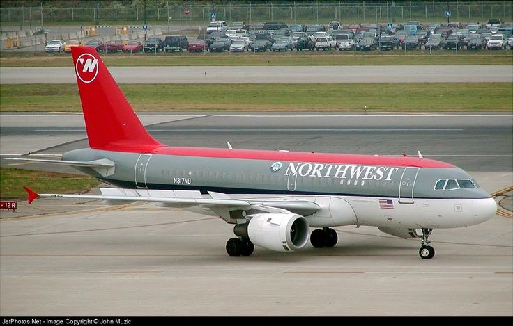 Airbus A319-114, Northwest Airlines, N317NB, cn 1324, 124 passengers, first flight 6.9.2000, Northwist Airlines delivered 28.9.2000, next Delta Air Lines (delivered 29.10.2008), active. Foto: Minneapolis, USA, 28.9.2002.