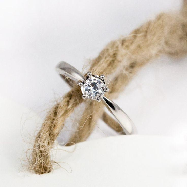 81 best anillos de compromiso sencillos images on pinterest - Anillos de compromiso sencillos ...
