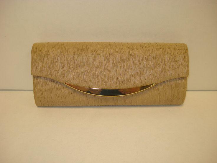 #eveningbags #clutches #sparkle #glitz #fashion #accessories #wedding #grad #polopark #stvital #boes #winnipeg #winnipeggrad #winnipegfashion #boesltd #polopark