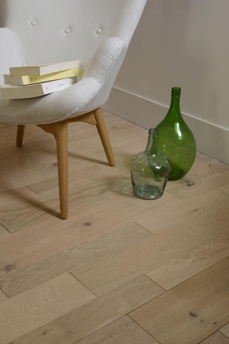 du parquet en ch ne massif avec une pose la fran aise. Black Bedroom Furniture Sets. Home Design Ideas