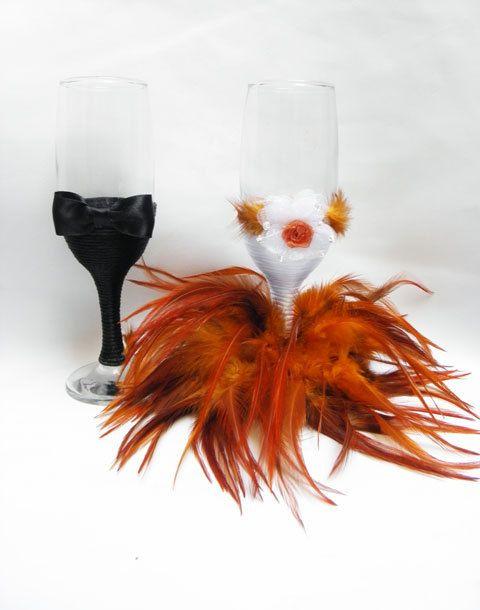 Si vous le souhaitez pour votre mariage, cadeau ou vous voulez leur donner quelques out au début, nous garantissons que ces lunettes vous aidera à créer une forte impression aux invités ! Verres peuvent être faits dans diverses conceptions et combinaisons de couleurs afin quil sadapte ambiance mariage parfait !   Vous affichez bel ensemble à la main de deux verres de champagne flûte !   Ce décor simple mais élégant peut lier dans nimporte quel thème ou le style.    Établi de verres flûte à…