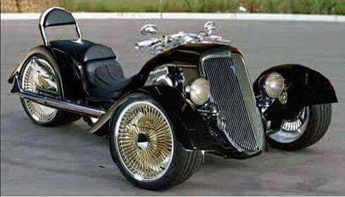 I personally love the look of this trike. Classic Hot Rod styling and I think its a real head-turner. Beautiful.