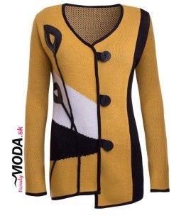 Žltý dámsky asymetrický sveter pre moletky s originálnou aplikáciou z imitácie čiernej kože-trendymoda.sk