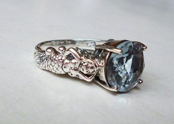 Ipnotizzante anello acquamarina sirena in stile antico in argento Dimensione 7 o 8 pietre dure semipreziose vittoriano Edwardian Art Nouveau Deco