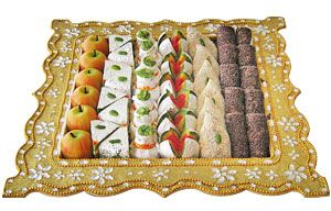 Find sweet and dry fruits at our online store at Tajonline.com. Get flat 10% off on minimum order value INR 1500. Apply code EID2017X9Y. Hurry up! For more information click here: http://www.tajonline.com/gifts-to-india/gifts-IBS186.html
