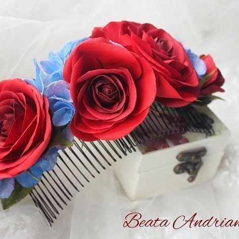 Гребень с цветами из фоамирана. Подарок на годовщину свадьбы моей дочери Верочки❤ #гребень #цветыизфоамиранаКрасноярск #розыизфоамирана#цветыизфоамирана #свадебныеукрашения #цветочныеукрашения #украшениядляволос #фоамиран #красноярск #цветы#flowers #inspiration#homemade #ручнаяработа #wedding#свадьба #decor #presents #подарки#handmadeflowers #foamiran#flores#розы#krasnoyarsk#beautiful #instasize #instapic#rose #handmade #годовщина