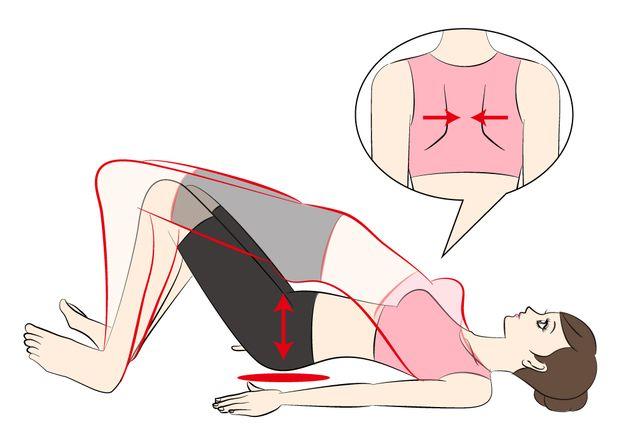 ①仰向けに寝て肩甲骨を寄せます。  ②足を曲げかかとのみ床につけてお尻を上下します。脚は少し開いて。下げた時お尻が床に付かないように注意!    ③足の間にクッションやボールを挟むとより内腿が引き締まります。30回繰り返しましょう。  ④最後はお尻を上げたまましばらくキープ。重心はかかとに。続ける場合は30秒休憩して2セット目を行います。