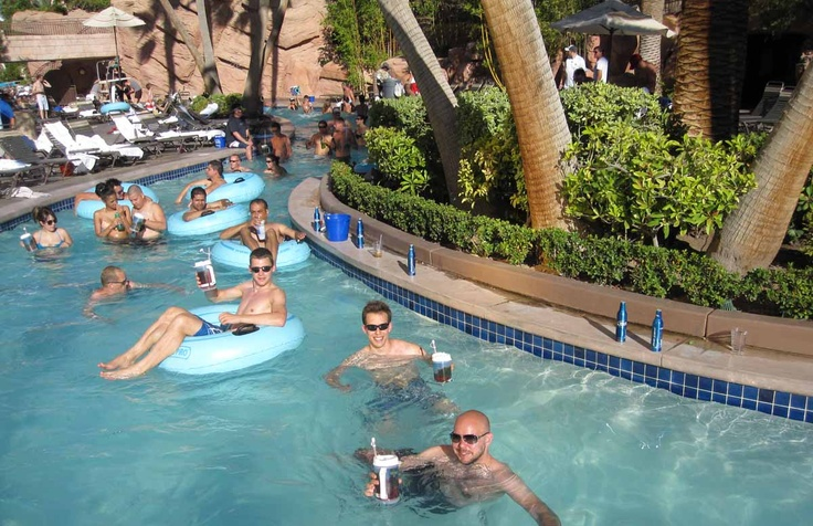 las vegas luxor hotel booking.com