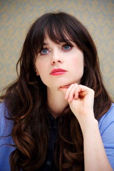 Six Reasons Why Zooey Deschanel Is An Amazing Role Model
