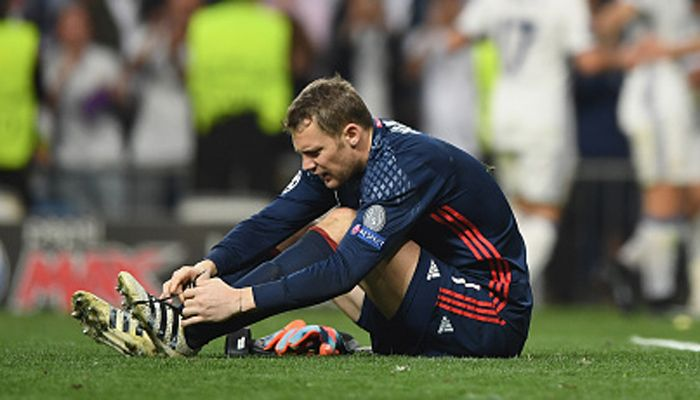 Champions League: Bayern Munich goalkeeper Manuel Neuer breaks foot season in doubt #FCBayern  Champions League: Bayern Munich goalkeeper Manuel Neuer breaks foot season in doubt  New Delhi: Bayern Munich goalkeeper Manuel Neuer may be sidelined for the rest of the season after fracturing his left foot during the 4-2 loss at Real Madrid in Tuesdays Champions League quarter-final second leg.  The 31-year-old was injured in extra time during the buildup to Cristiano Ronaldos third goal as…