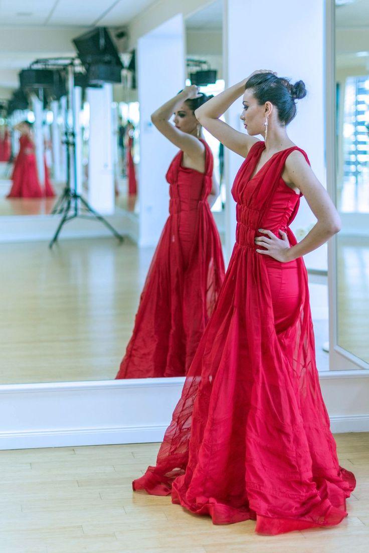 #Red #Passion #Mirror #Dress #Elegant #Romantic #StadaBoutique #GeorgianaStavrositu
