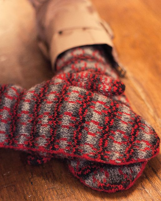 Ravelry: Corrimony Mitts pattern by Emily K Williams