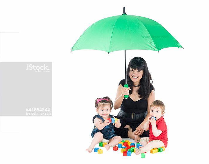 Babies under mother's umbrella#children#boy#mother#girl#umbrella