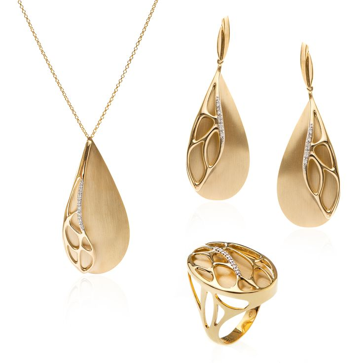 "Paul Dumont 18K ""Nature in Gold"" Collection"
