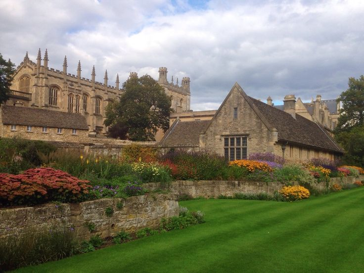 Oxford is a beautiful city and very easy to walk around it. Unbeknownst to me when I went, University of Oxford pretty much encompasses...