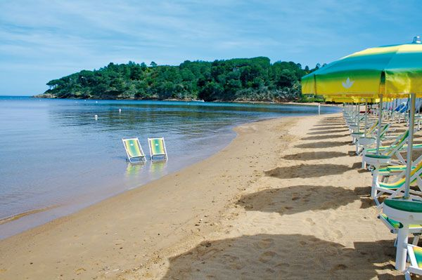 L'esclusiva spiaggia per i nostri ospiti a Le Acacie