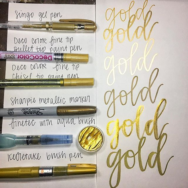 A better shot from my gold pen compare video. You can really see the shine on some of them here ✨✨ Pens I used: 1. Singo Gel Pen 2. Deco Color fine tip bullet paint pen 3.  Deco Color fine tip chisel paint pen 4. Sharpie permanent marker 5. Finetec Arabic gold watercolor used with a Pentel Aquash brush 6. Kuretake gold paint pen . . . . #pencompare #sharpie #decocolor #finetec #calligraphyvideo #lettering #handlettering #letterlove #moderncalligraphy #calligraphy #calligraphypen #gold