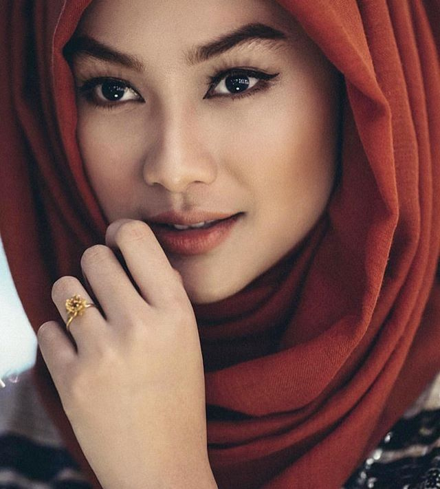 Indah Nada Puspita | Beauty of Hijab | #InstaCrop by #Suheri034