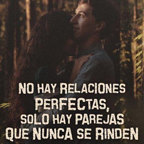 """#FRASES CATÓLICAS """"No hay relaciones perfectas, sólo hay parejas que nunca se rinden""""    http://forosdelavirgen.org/81063/quieres-un-matrimonio-exitoso-sigue-estos-dos-consejos-2014-08-22/"""