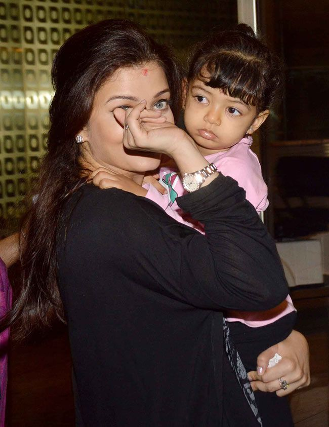 Aishwarya Rai Bachchan with daughter Aaradhya at the Mumbai airport. #Style #Bollywood #Fashion #Beauty